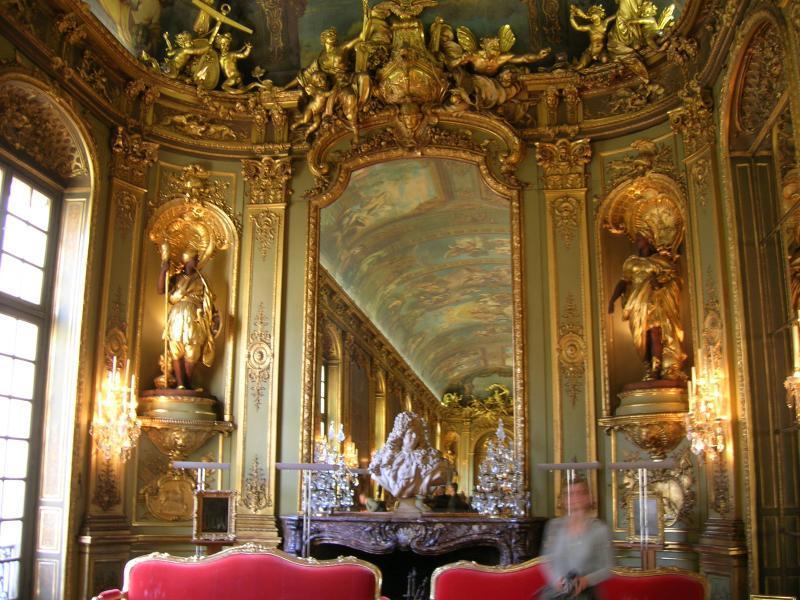 """Das vermutlich schönste Bankgeheimnis der Welt ist der vergoldete Salon """"Galerie Dorée"""""""