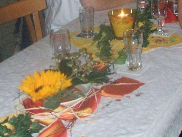 Tischdeko mit Sonnenblumen - Hochzeit: Hochzeitsforum.de