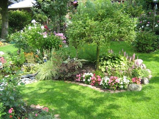 Schone garten fur sparsame m belideen for Gartenbepflanzung planen