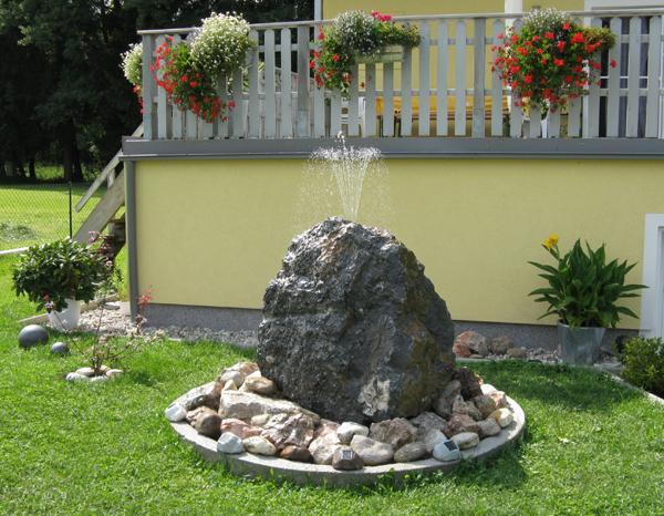 Awesome Wasserspiel Stein Garten Images - House Design Ideas ...