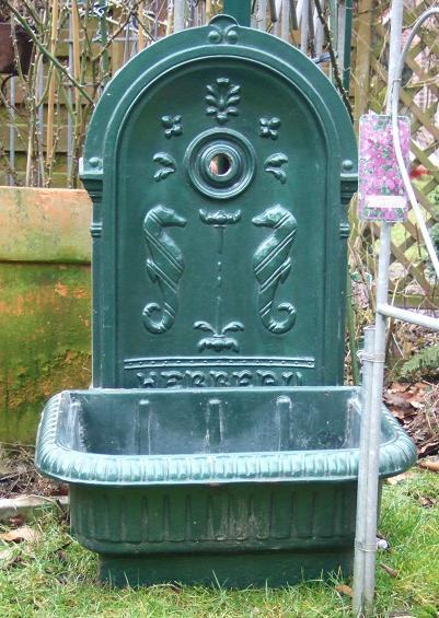 Wie kann ich dieses wasch becken im garten integrieren for Garten waschbecken