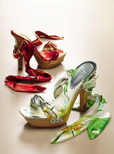 Renk cümbüşü ayakkabılar