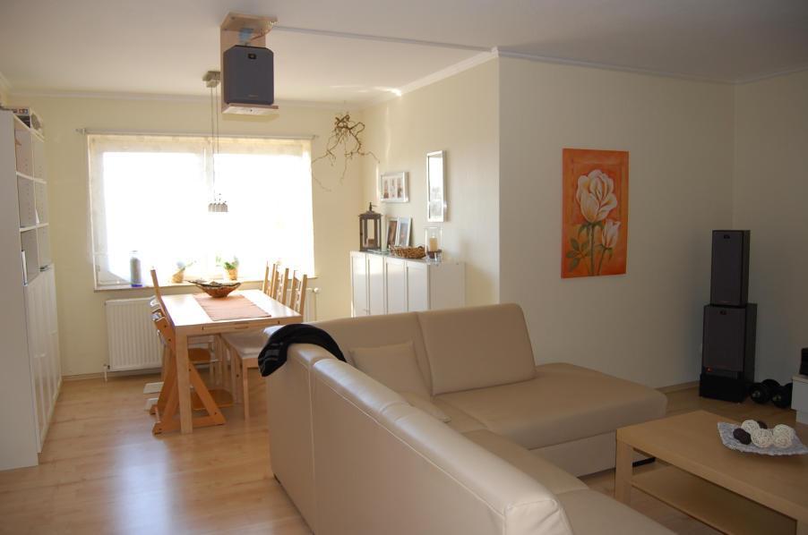 Deko f r couchtisch raum und m beldesign inspiration - Skulpturen fur wohnzimmer ...