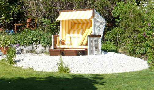 bilder vom strandkorb im garten wer hat welche seite. Black Bedroom Furniture Sets. Home Design Ideas