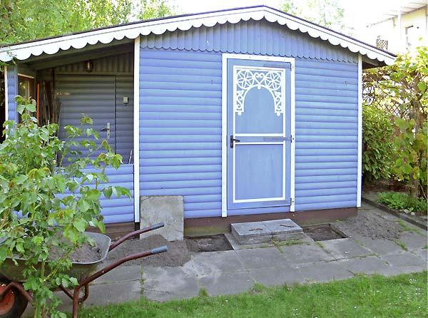 Gartenhaus taubenblau  Heute durch den Garten - Impressionen 2011