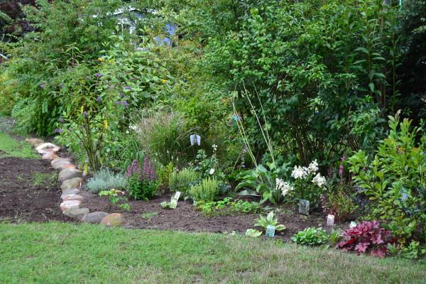 Eure gartenbilder beete gestaltungsideen 2011 2012 for Gartengestaltung dreieck