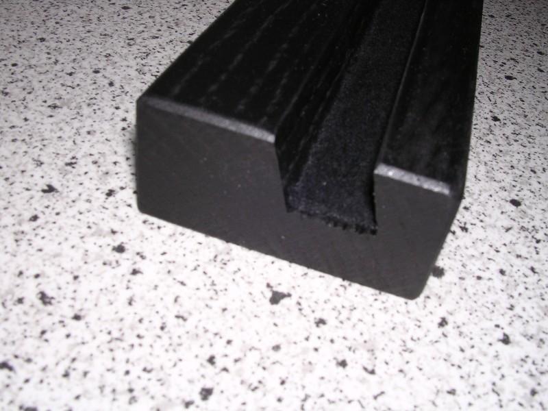 steelbook st nder aus holz. Black Bedroom Furniture Sets. Home Design Ideas