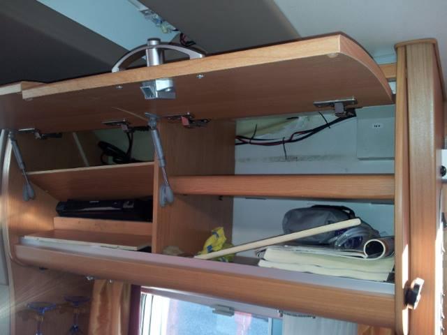 h ngeschrank wohnmobil bestseller shop f r m bel und einrichtungen. Black Bedroom Furniture Sets. Home Design Ideas