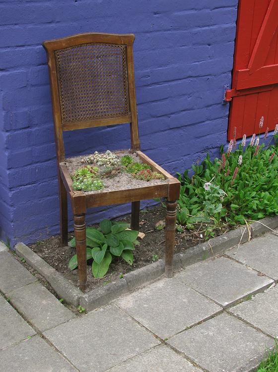 bepflanzbarer stuhl mein sch ner garten forum. Black Bedroom Furniture Sets. Home Design Ideas