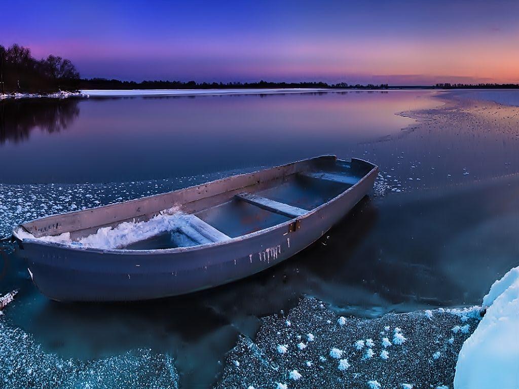 лодки как скамейки мы
