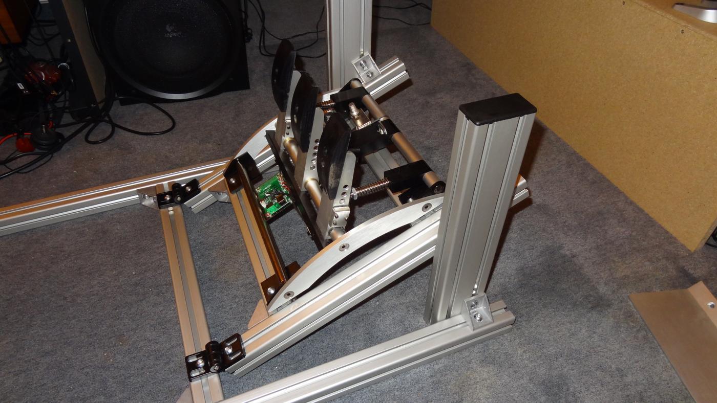 faszinierend pc tisch selber bauen ebenbild erindzain. Black Bedroom Furniture Sets. Home Design Ideas