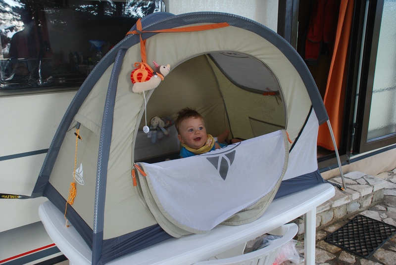 unser geniales reisebett f r baby und kleinkind vaude baby tent. Black Bedroom Furniture Sets. Home Design Ideas