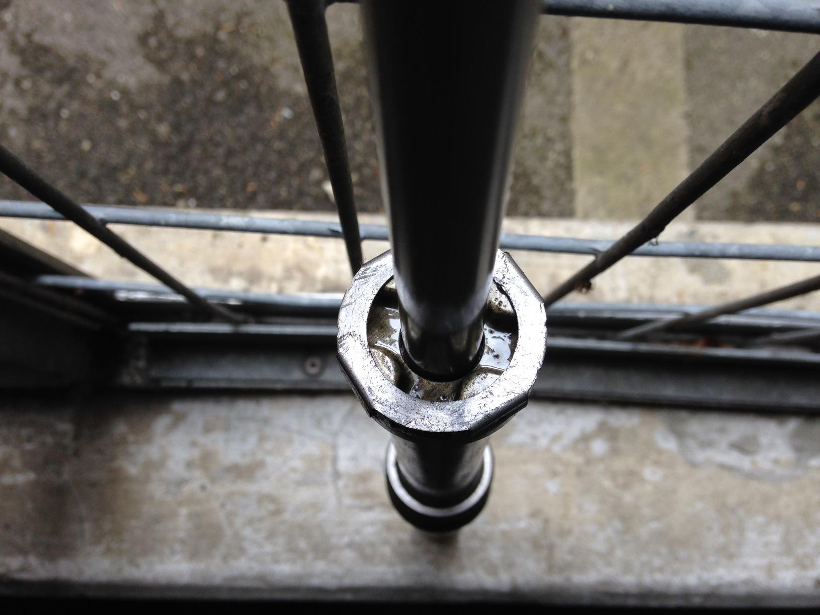 Haltestange für die Dämpferstange, Gabelsimmeringe wechseln ZX9R