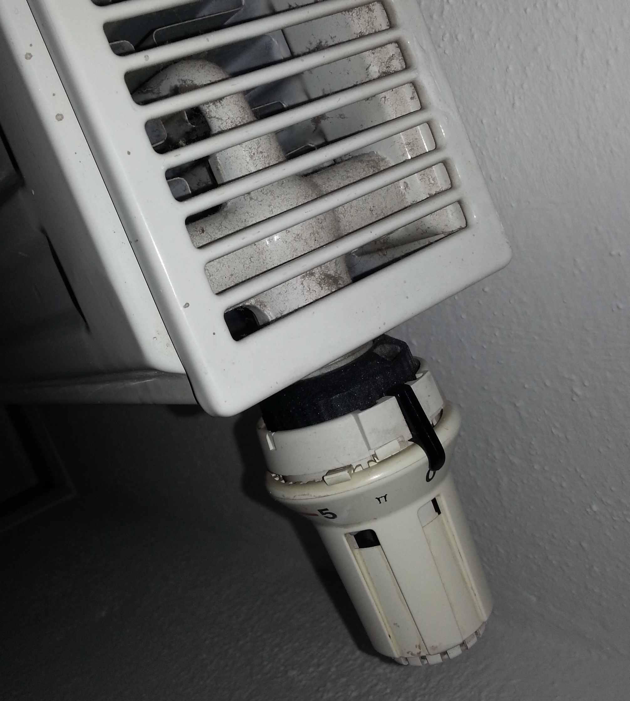 heizk rper warm obwohl ventil zugedreht haustechnikdialog. Black Bedroom Furniture Sets. Home Design Ideas