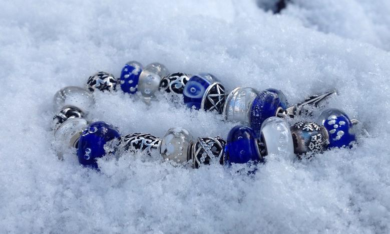 winter bracelets - pic heavy... D5n7qsprmja2ythb4