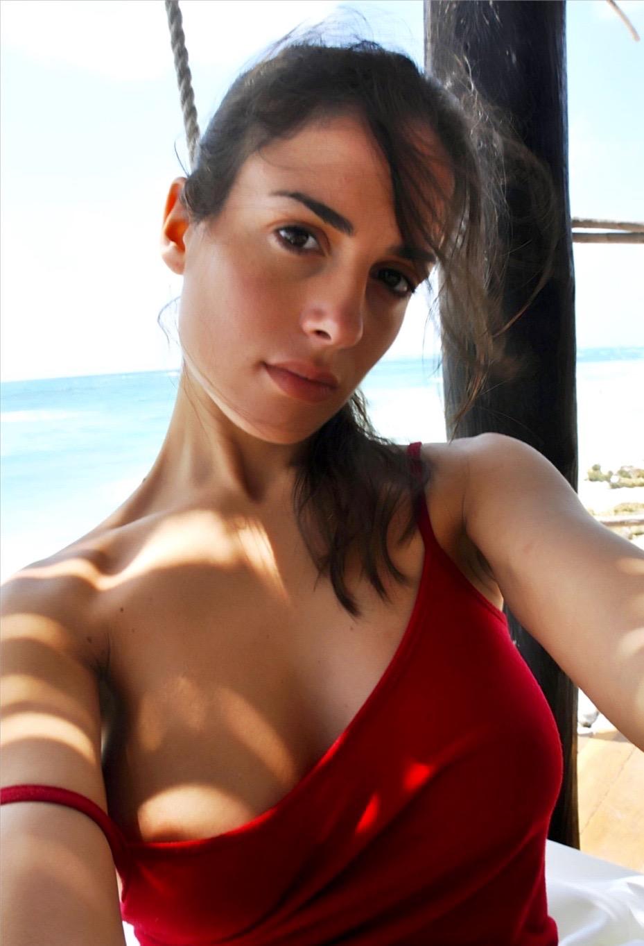 arabian naked girls