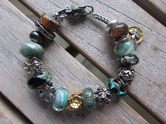 Show Your 40th Clover Bracelets - Page 2 Damgds8yhkdhsk9t4