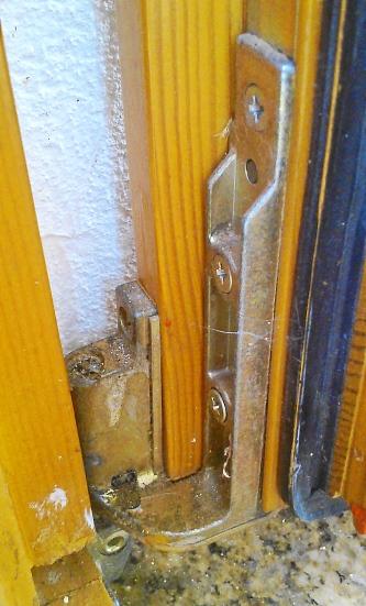 Häufig GU-Drehkippbeschlag - wie kriege ich das Fenster aus der Zarge YW77